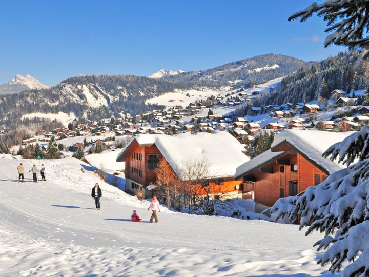 village vacances la clusaz les aravis neige